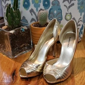 CLASSIFIEDS Pale Gold Heels